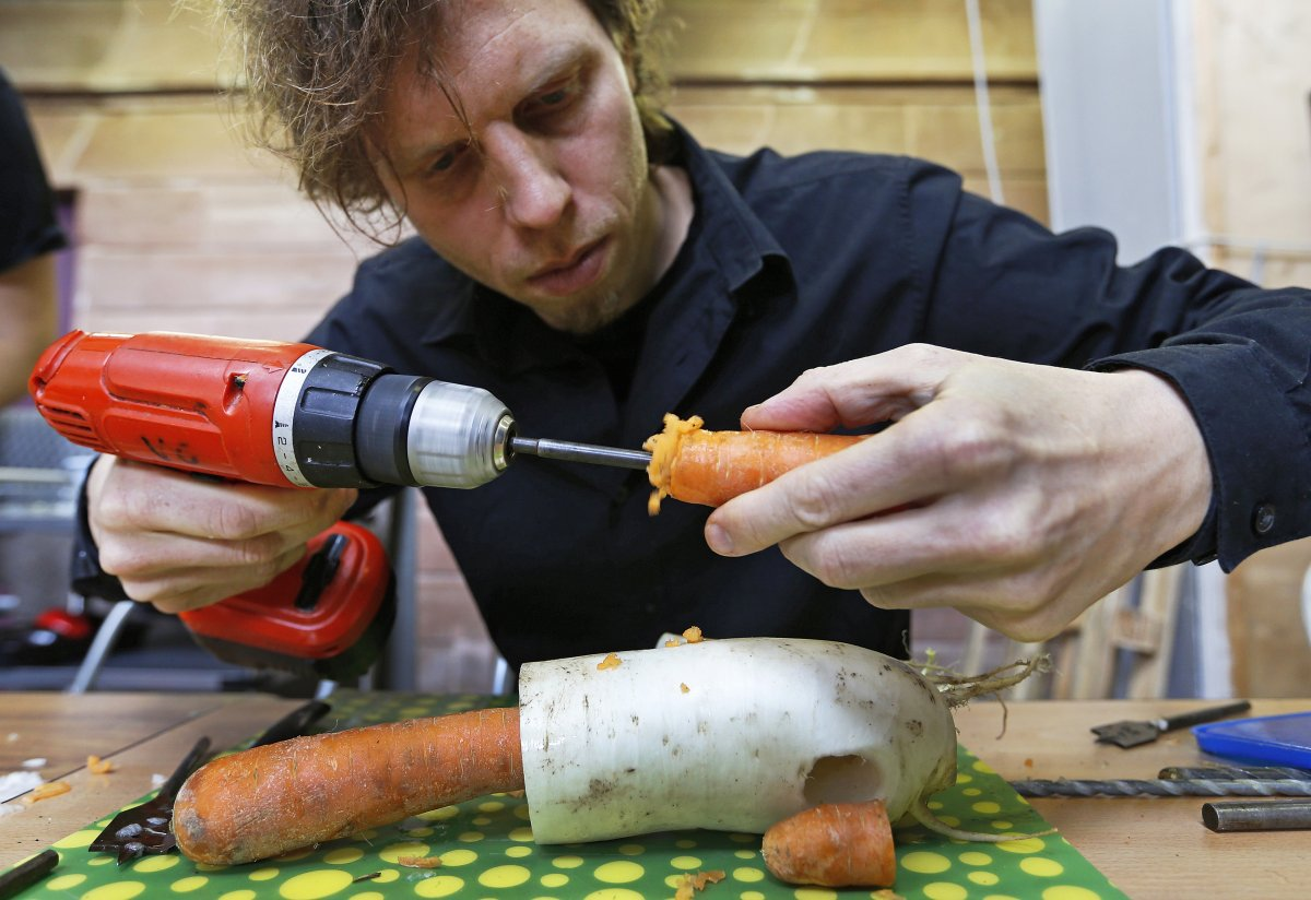 to-make-a-recorder-they-hollow-out-a-carrot-with-a-drill-it-takes-30-minutes