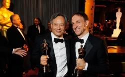 麥可唐納與李安以《少年PI的奇幻漂流》雙雙獲獎(照片來源:Firstpost)